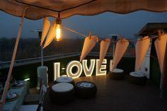 Letras luminosas para bodas, eventos, decoración, etc. Alquila o compra letras luminosas.