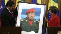 Nicolás Maduro, presidente da Venezuela, presenteia presidente Dilma Rousseff com uma imagem do falecido coronel Hugo Chávez - ESTADO DE ATENÇÃO E ALERTA CONTRA O RISCO DA SOBERANIA NACIONAL - BRASIL.
