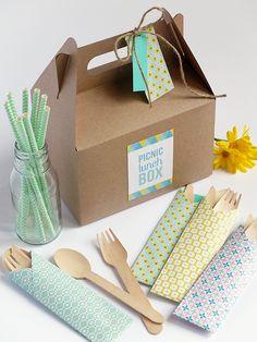 Bluebells Design: Origami e picnic - Cafe - Summer Picnics Picnic Cafe, Picnic Box, Picnic Lunches, Picnic Foods, Picnic Ideas, Food Packaging Design, Box Packaging, Paper Packaging, Design Origami