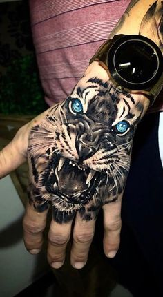 30 Tattoos male hands for inspiration - Pictures and Tattoos Animal Sleeve Tattoo, Lion Tattoo Sleeves, Mens Sleeve Tattoo Designs, Best Sleeve Tattoos, Rose Tattoos, Body Art Tattoos, Small Tattoos, Hand Tattoos For Guys, Hand Tats