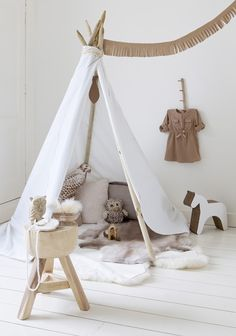 Tepee tent or wigwam | styling & design: stijlbloem.nl by Fleur Spronk | photography: Rolinda Windhorst