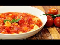 O segredo do bom nhoque de batata é a proporção correta dos ingredientes e é isso que você vai aprender nessa receita! Para acessar a receita escrita com tod...