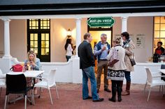 Guests arriving at our Yellow Papaya Food Blogger Event at the Yoco Eatery, Rust-en-Vrede Gallery in Durbanville. What a perfect evening.