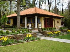 Traditional Home Simple Landscaping Ideas Design Ideas, Pictures, Remodel, and Decor - page 3