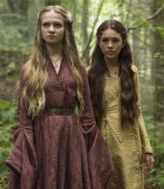 Game of Thrones: Young Cersei and Melara - Game of Thrones, I love that her gown looks the same as later styles!