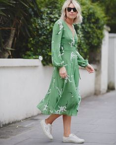 Midi dresses and trainers still! @stylealbum