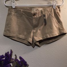 Hollister tan shorts Brand new. Soft. 4 pockets. W26. Tan colored Hollister Shorts