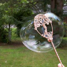 Tree of life bubble wand - so pretty! Bubble Magic, Wire Jewelry, Unique Jewelry, Wedding Favors, Gift Wedding, Witch Wand, Princess Wands, Star Wand, Fairy Wands
