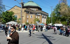 One of the busy streets scenes during the Glebe Garage Sale! Check out how my day went at this annual event in my post!