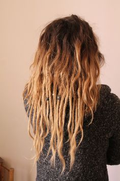 #dreads #dreadlocks #extensionspecialist #extensions #hair #cheveux #style #fashion Dreads Short Hair, Half Dreads, Partial Dreads, New Dreads, Blonde Dreads, Wool Dreads, Dreads Girl, Dreads Styles, Curly Hair Styles