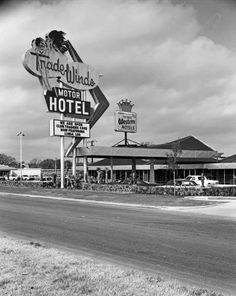 Tradewinds Motor Hotel, Tulsa, OK. Sapulpa Oklahoma, Tulsa Oklahoma, Oklahoma City, Oklahoma Attractions, Tulsa Time, Vintage Neon Signs, Old Signs, Local History, The Outsiders