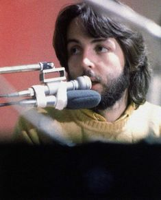 Paul McCartney during the filming of Let It Be, 1969 Paul Mccartney Beard, My Love Paul Mccartney, The Beatles Members, One Direction Music, Beatles Songs, Beatles Photos, The Fab Four, Music Humor, Ringo Starr