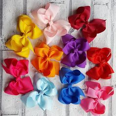 Check out this item in my Etsy shop https://www.etsy.com/uk/listing/507964086/fiver-friday-personalised-bow-boutique