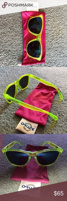 Polarized Oakley Frogskins 100% authentic Oakley Frogskins with Polarized lenses. Soft case included. Gently used and lenses are scratch free! The frame is acid yellow and the lenses have a faint blue mirror. Unisex Oakley Accessories Sunglasses