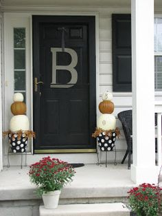 Nice contrast and the polka dots add fun to a sometimes scary color like black