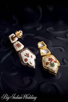 Tanishq Collection, Designs, Fashion Shows, Jewellery, Pictures and Photos on Bigindianwedding Bridal Jewelry, Gold Jewelry, Jewelry Accessories, Jewelry Design, Big Indian Wedding, International Jewelry, Dangle Earrings, Fashion Jewelry, Jewels