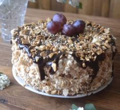 Торт с безе бисквитом и орехами - пошаговый рецепт с фото