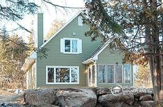front Small and affordable ski chalet, 3 bedrooms, open floor plans, screened porch - Rivendell
