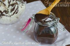 Glassa al cioccolato o topping per gelato affogato e semifreddi