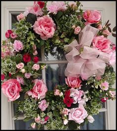 Wreaths: Decorative Door Wreaths, Luxury Christmas Wreaths - Valentine's Day Wreaths - Maplesville, AL - I love roses, wouldn't some daises e breathtaking with these? Valentine Day Wreaths, Valentine Decorations, Easter Wreaths, Christmas Wreaths, Christmas Yarn, Valentines, Wreath Crafts, Diy Wreath, Door Wreaths