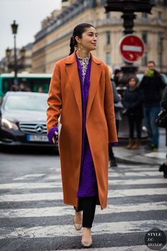 Paris Fashion Week FW 2016 Street Style: Caroline Issa Wearing Peggy 9 earring by Becca x Peter Jensen Street Style Outfits, Street Style 2016, Street Chic, Fashion Week Paris, Fashion Colours, Colorful Fashion, Fall Inspiration, Looks Style, My Style