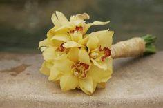 Simple and elegant yellow cymbidium bouquet.