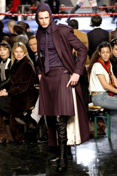 Jean Paul Gaultier Fall 2010 Menswear Fashion Show Unisex Fashion, New Fashion, Fashion Show, Runway Fashion, Jean Paul Gaultier, Boys Wearing Skirts, Man Skirt, Leggings, Tights