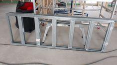 Puinen passiivikoti: Ensimmäiset liukuväliovien rungot asennettu Ladder, Stairway, Ladders