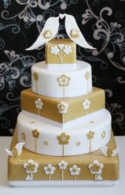 originální svatební dorty  kompletní svatební servis  svatební šaty v salonu Vera Marsalli