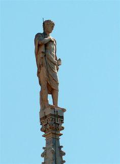 Statua G113 #AdottaUnaGuglia #GetYourSpire Statue Of Liberty, Statue Of Liberty Facts, Statue Of Libery