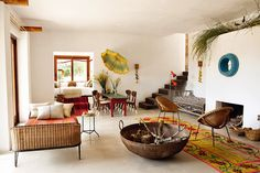 wicker and metal daybed with hairpin legs (HOME & GARDEN: Chez Luis Galliussi à Ibiza)