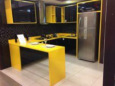 Cozinha preto e amarela