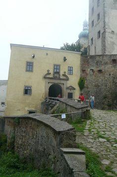 vstupní brána na hrad Buchlov