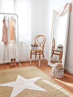Actually there are many more bedroom mirror designs that we can try. Some of the bedroom mirror ideas we have collected here. Decor, Furniture, Bedroom Mirror, Home Decor, House Interior, Home Deco, Chic Bedroom, Bedroom Decor, Interior Design