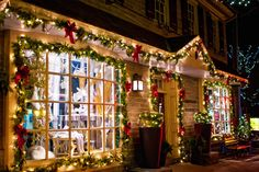 On Wednesdays in December, shops along Germantown Avenue in Chestnut Hill open to late-night guests for the annual Stag and Doe shopping events. (Photo by J. Fusco for Visit Philadelphia)
