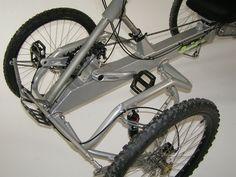 QBX QUADBIKE est une activité de sports et loisirs de plein air Reverse Trike, Cargo Bike, Touring Bike, Small Engine, Lego Technic, Bike Parts, Bicycle Design, Wheelbarrow, Go Kart