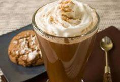 Bailey's Irish Coffee Irish Coffee, Coffee Coffee, Coffee Time, Morning Coffee, Yummy Drinks, Yummy Food, Coffee Meeting, Baileys Irish, Irish Recipes