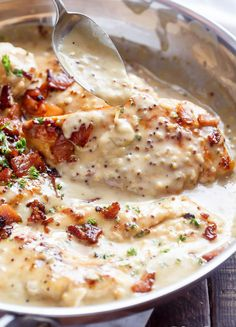 This creamy honey mustard chicken is delightful and will be .- This creamy honey mustard chicken is delightful and will be loved by the whole family. This recipe has easy dairy free substitutions! Turkey Recipes, Chicken Recipes, Healthy Chicken, Shrimp Recipes, Recipe Chicken, Healthy Meals, Creamy Honey Mustard Chicken, Creamy Chicken, Comidas Light