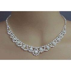 Gorgeous pearl bridal Victorian design necklace.