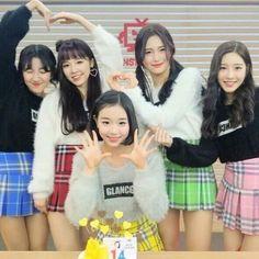 El nombre oficial del fandom es #버츄- Beotchu ❤❤