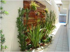 8 Excellent Pallet Garden Ideas For Your Backyard Vertical Pallet Garden, Pallets Garden, Garden Art, Garden Design, Home And Garden, Hanging Flower Pots, Bottle Garden, Garden Projects, Garden Inspiration