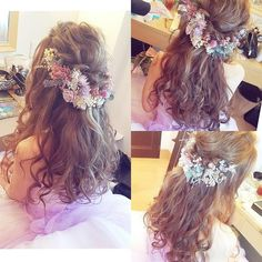 New ♡ Natural purple fluffy headdress ♡ - CDヘア - Hairdos Ideas Bride Hair Flowers, Flower Crown Bride, Bridal Hairdo, Hairdo Wedding, Dress Hairstyles, Bride Hairstyles, Tangled Wedding, Vibrant Hair Colors, Hair Arrange