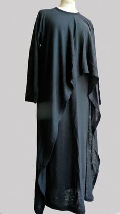 Comme des Garçons 1985  This beautiful design proves that certain ebay sellers in the UK did NOT invent Lagenlook nor did they introduce it to the world. Commes Des Garcons, Eskandar, Issey Miyake & a few others pioneered this look long before ze Germans got their paws on the designs.