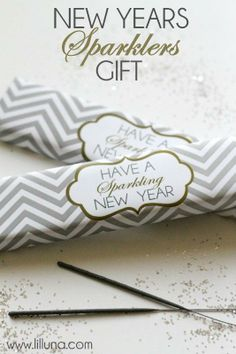 New Years Sparklers Gift - Free printable on { lilluna.com } #sparklers #newyears