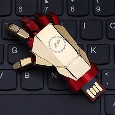 Iron-Man ZP 32GB USB disk Hand Pattern Metal Style USB Flash Pen Drive