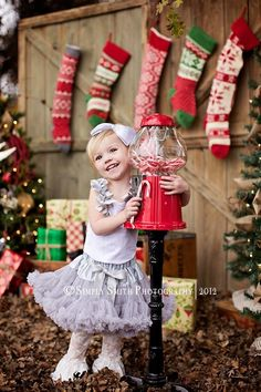 Great props for kids Christmas picture....@Amanda Heberer , I have a gumball machine at my grandpas house!