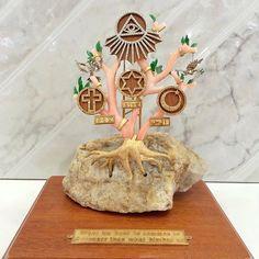 Ricardo Basta's sculpture of peace inspired by #popefrancis  @vatican__ @newsva @popeishope #peace #goodiswinning