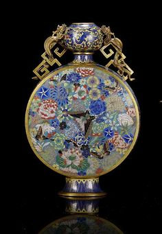 A CLOISONNÉ ENAMEL MOONFLAS WITH GILT DRAGON HANDLES, China, Jiaqing/Daoguang period