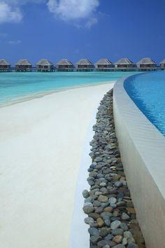 Dusit Thani, Muhdhoo Island, Baa Atol, Maldives