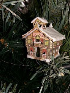 Miniature printable Christmas house